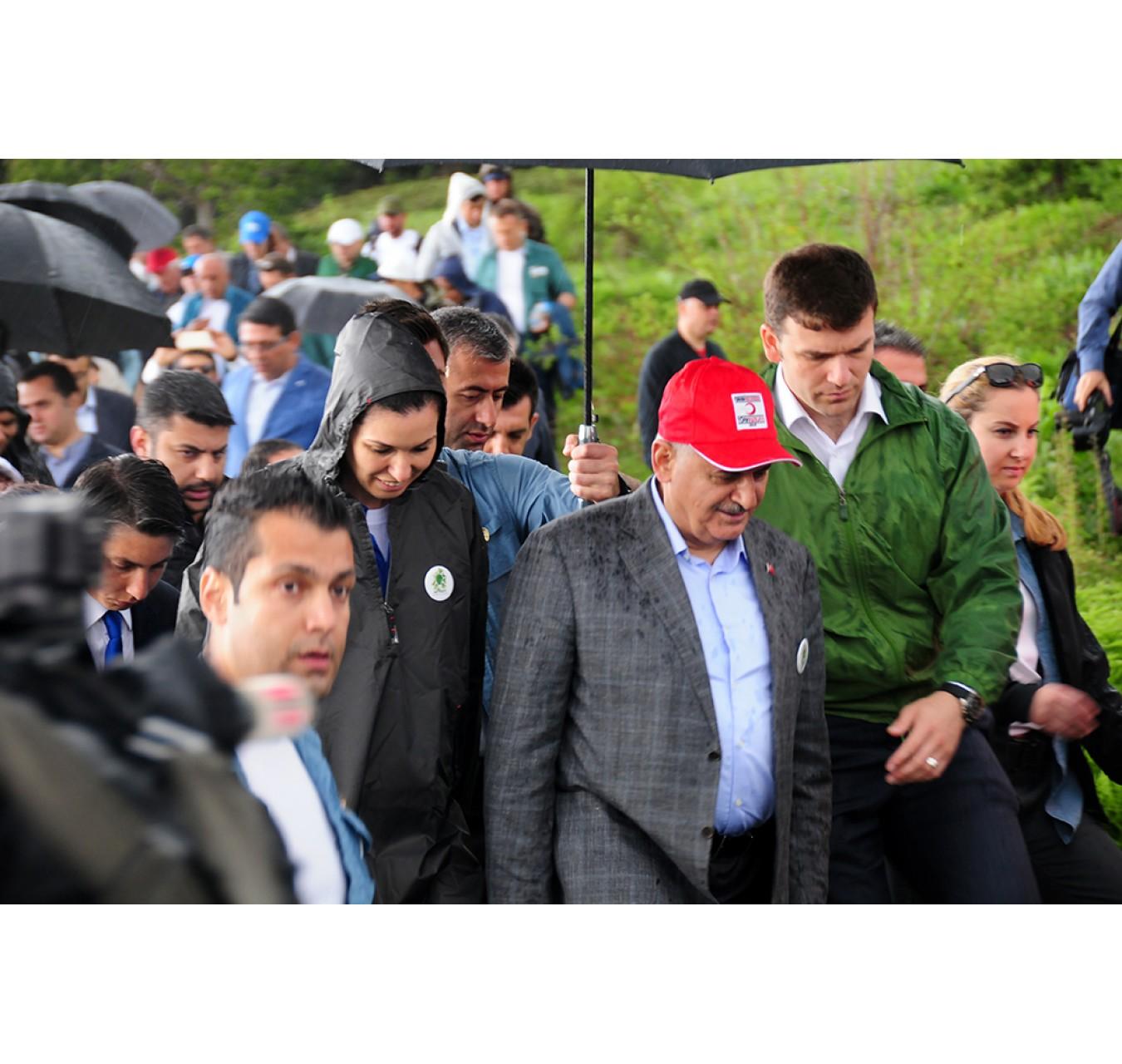 Karaaslan Başbakan İle Birlikte Doğa Yürüyüşünde